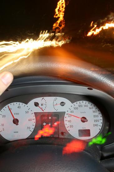 visione distorta alla guida a causa dell'alcol